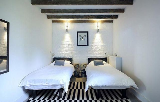 Uma opção minimalista para um quarto compartilhado