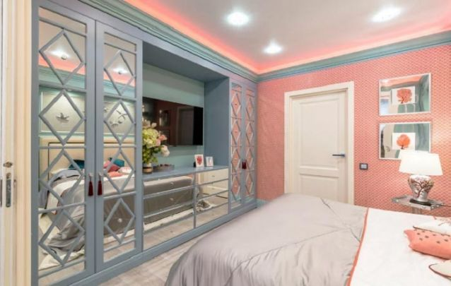 Um quarto cinza e rosa de adolescente é outra combinação que não sai de moda