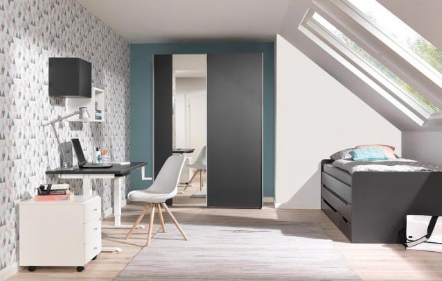 Aproveitar o máximo de luz natural em um quarto para adolescente é essencial