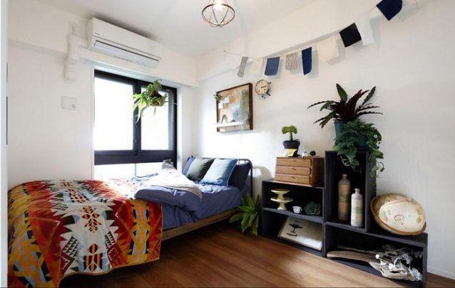 Plantas são sempre bem-vindas dentro de um cômodo, afinal, além de agregar beleza ao ambiente, elas são capazes de limpar o ar do local