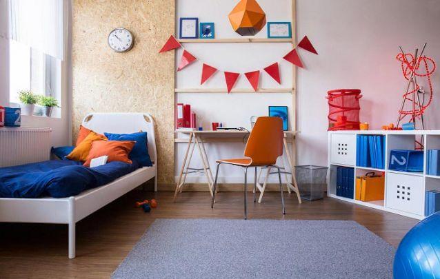 Colorido e divertido são adjetivos que descrevem bem este quarto para adolescente