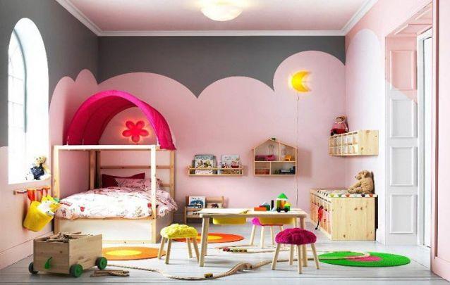 Um quarto lúdico e divertido para uma pequena menina