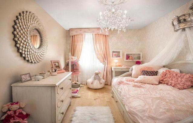 Um quarto de menina que mais parece de uma princesa, elegante e sofisticado