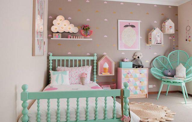 Esta decoração de quarto de menina foi planejada com muito bom gosto