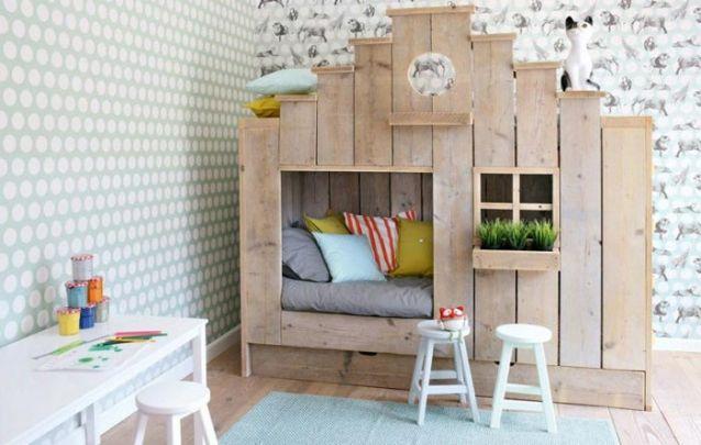 Esta cama em forma de casinha é tudo que uma menina quer em seu quarto!
