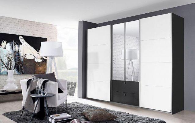 Branco e preto, uma combinação clássica e atemporal para um guarda roupa embutido casal
