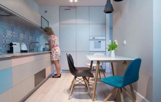 Móveis planejados para criar uma cozinha clean e moderna