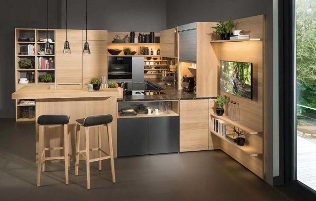Você pode adicionar uma TV no projeto de sua cozinha planejada