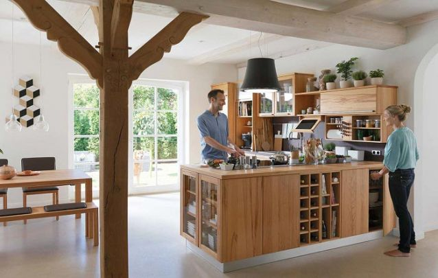 Adicione um espaço para vinhos para personalizar a sua bancada planejada