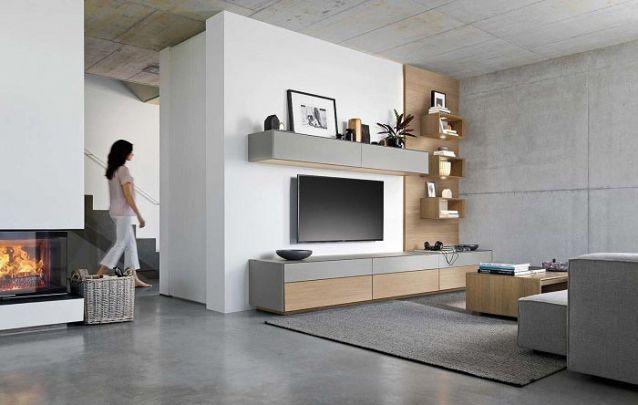Que tal se inspirar nessa sofisticada sala de estar planejada?