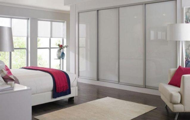 Um armário planejado minimalista para você se inspirar