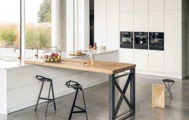 Uma península cheia de atitude para uma cozinha americana, e com toques industriais