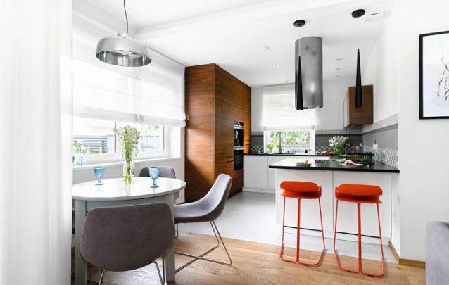 Uma cozinha americana para servir de inspiração a apartamentos pequenos