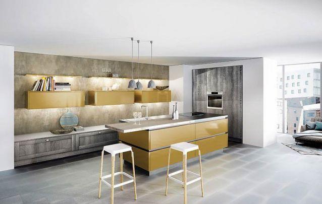 Dourado e cinza, uma combinação diferente para a sua cozinha americana