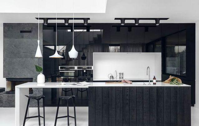 E para você que tem espaço, apostar em uma grande cozinha americana planejada é uma ótima opção