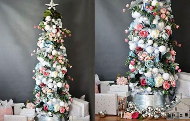 Fuja das decorações tradicionais e aposte em flores e folhagens para o seu pinheiro slim