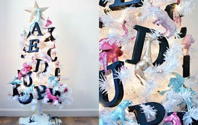 Uma linda arvore com letras e animais para alegrar a criançada