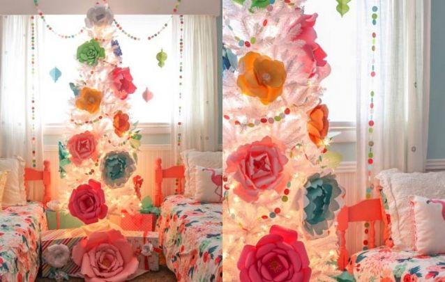E para o quarto das meninas, uma arvore de natal branca com flores de papel coloridas