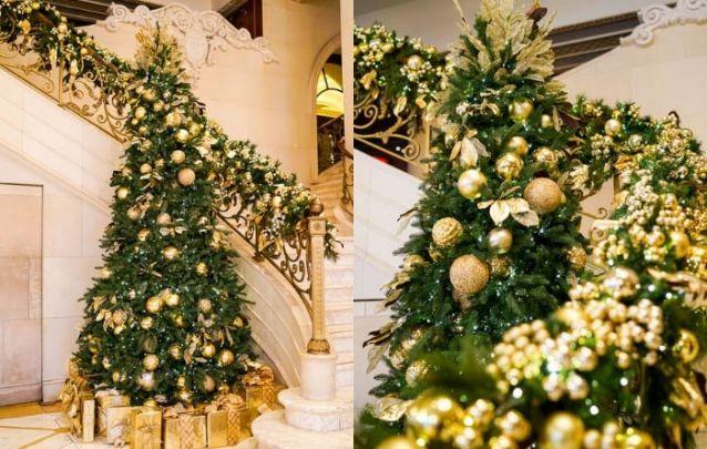 Uma luxuosa decoração de natal dourada