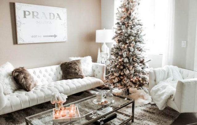 Aposte em pinhas naturais para compor uma decoração de natal simples e interessante
