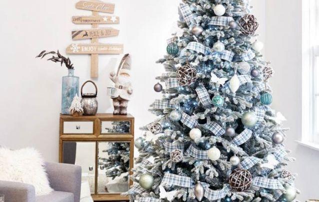 O azul está se tornando tão comum quanto o vermelho nas decorações de natal