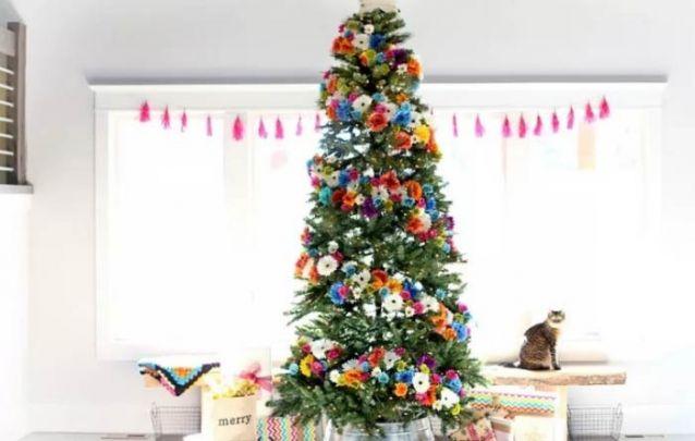 Uma linda e colorida decoração de natal floral