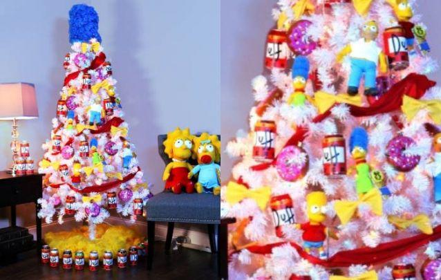 E é claro que os fãs dos Simpsons não ficariam sem uma arvore de natal temática