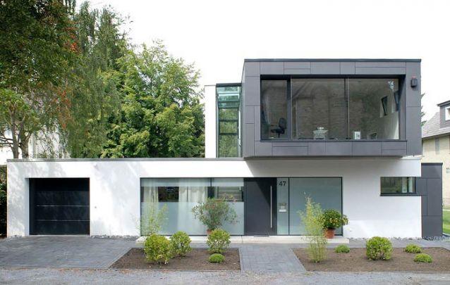 Apesar de seguir as formas básicas, uma casa moderna é capaz de ser única e distinta
