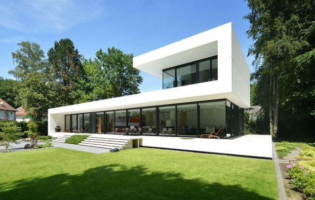 Casa moderna com arquitetura audaciosa