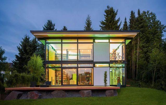 Sobrado moderno com telhado de uma água