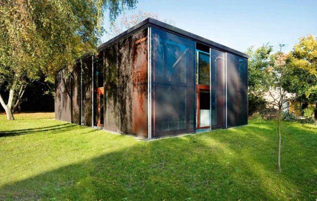 Uma casa moderna literalmente em forma de cubo!