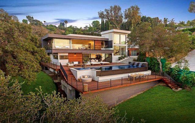 Uma opção de casas modernas para terrenos irregulares