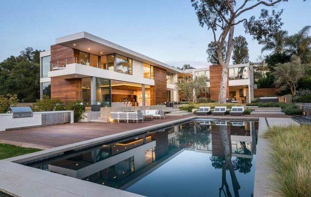 A área externa também deve harmonizar com o design moderno do projeto