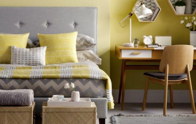 A união entre amarelo e cinza forma uma combinação contemporânea para decoração de quartos