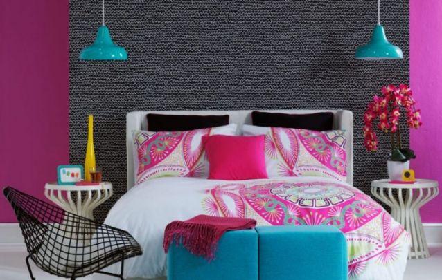 Decoração de quarto colorida e feminina
