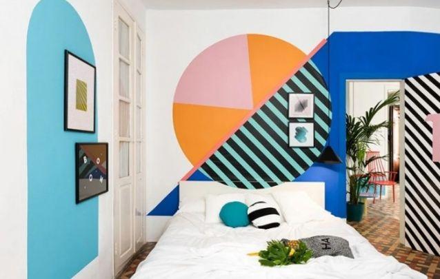 Uma pintura diferenciada para trazer alegria para este quarto pequeno