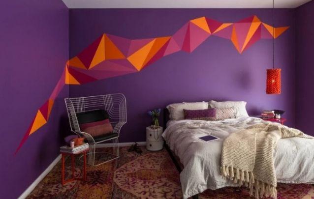 Uma linda e simples decoração para quarto com roxo e laranja