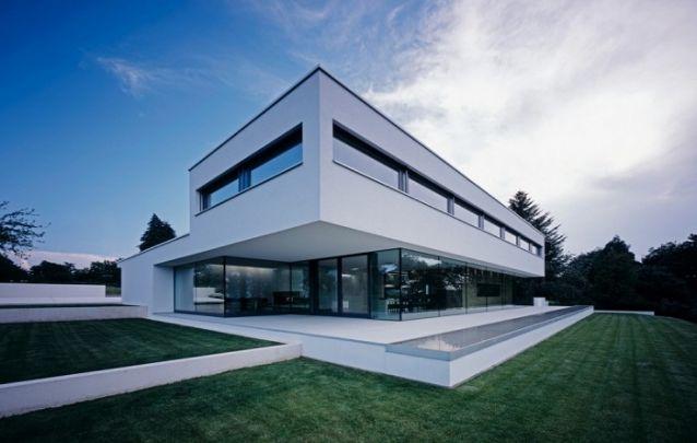 O vidro quando utilizado em maior quantidade, é um material que confere contemporaneidade para os projetos de casas