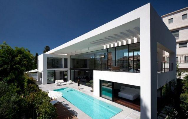 Esta é uma alternativa para quem está em busca de projetos de casas luxuosas