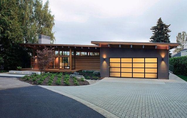 Projeto de casa moderna com revestimento em madeira