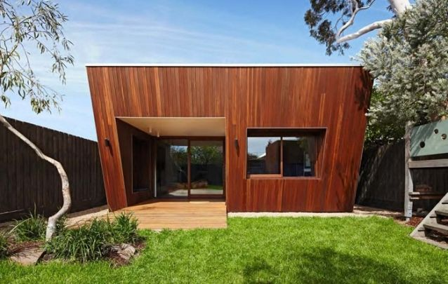 Fachada perpendicular para deixar este projeto de casa ainda mais despojado