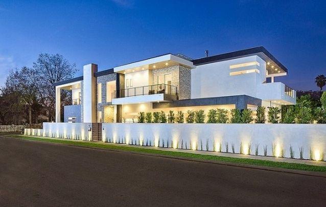 Modelo de casa moderna e grande