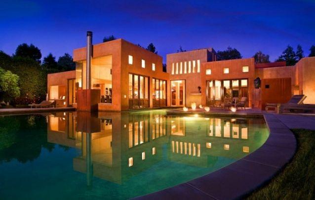 Modelo de casa grande e deslumbrante