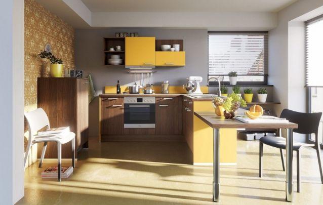 Amarelo e amadeirado escuro, uma combinação alegre e sem erros!