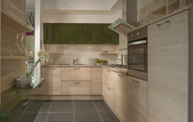 Um toque de verde militar para inovar na cozinha decorada