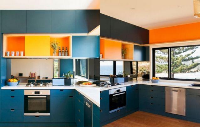 Duo de cores ousadas para esta cozinha planejada em L