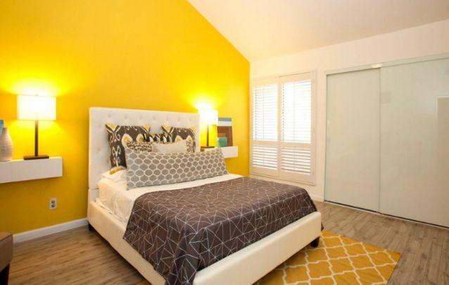 O amarelo estimula a espontaneidade e a alegria no cômodo
