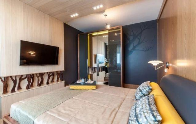 Aposte em modelos de painel originais para o seu quarto, além de destacar a sua televisão, com certeza você terá um design incomparável neste ambiente. Também deixando-o prático e funcional.