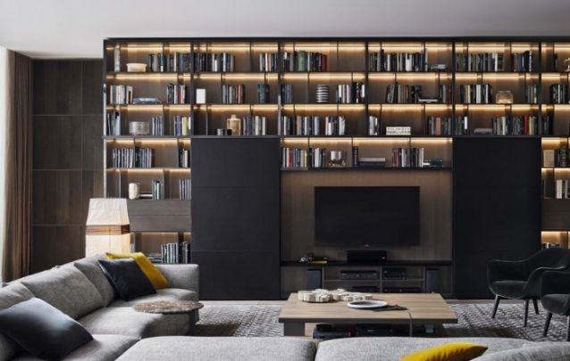 Mais uma opção dentre modelos de painel para quem gosta de leitura, neste caso, a tv ocupa um pequeno espaço para não tirar os holofotes dos protagonistas, que sem dúvida são os livros.