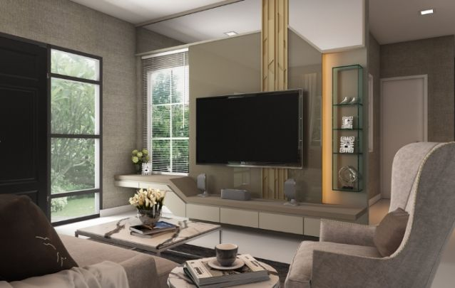 A cor fendi é atual e elegante, e o acabamento em laca brilhante, traz sofisticação ao móvel. A faixa na parte de trás da televisão, que segue da parte mais baixa até o teto, realça o design.